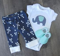 Baby Clothing Set // Baby Clothes Newborn Clothes by GingerLous #babyclothes #babygifts #newborngifts