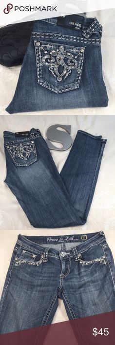 Grace in LA skinny jeans in GUC! In great used condition! Shows a little wear at the bottom, but you can't really tell. These are super cute with ballerina flats or cute pair of boots. Inseam = 32 inches and Rise = @7 inches. Please let me know what questions you have! Grace in LA Denim Jeans Skinny