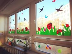 Window paint in summer Class Board Decoration, Diy For Kids, Crafts For Kids, Decoration Creche, School Decorations, Window Art, Classroom Decor, Classroom Board, Classroom Window Decorations
