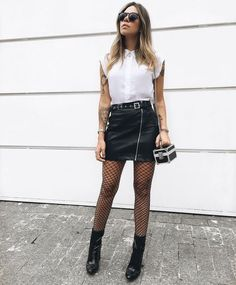 "Leather Skirt Looks "" 15 Wonderful Ideas to Use! - Trendy Queen : Leading Magazine for Today's women, Explore daily Fashion, Beauty & Lifestyle Tips Urban Style Outfits, Edgy Outfits, Skirt Outfits, Fashion Outfits, Womens Fashion, Urban Fashion, Daily Fashion, Fashion Looks, Winter Skirt Outfit"