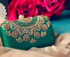 New Style Clutch & Potly -Bride-to-be & Bridesmaid must have on Wedding Season! Bridal Accessories, Bag Accessories, Embellished Purses, Best Leather Wallet, Green Clutches, Bridesmaid Clutches, Bridal Clutch, Beautiful Handbags, Beaded Bags