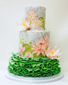 Love the inspiration for this cake.I can totally see this cake at a Boho Garden Wedding. Wedding cake inspired by Monet's Water Lilies Gorgeous Cakes, Pretty Cakes, Amazing Cakes, Unique Wedding Cakes, Wedding Cake Designs, Elegant Wedding, Rustic Wedding, Lily Cake, Cake Vegan
