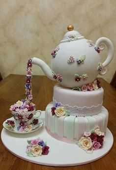 Love this afternoon tea styled cake. Would be perfect for a hen party or bridal shower - or even a small afternoon wedding.