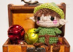 In dieser Häkelanleitung zeige ich dir, wie du einen Minimee Elf häkeln kannst. Der süße kleine Elf ist eine hübsche Dekoration für Weihnachten und wenn El