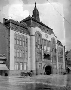 County Hall, Debrecen, 1935 Old Pictures, Old Photos, Vintage Photographs, Vintage Photos, Historical Photos, Hungary, Nostalgia, Utca, The Past