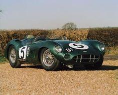 アストンマーティン、「V12 スピードスター」を予告。88台のみのオープン2シーターは2020年後半に発表   Aston_Martin_V12_Speedster_010812-min   8枚目の写真 (全19枚)   GENROQ Web(ゲンロク ウェブ) Classic European Cars, Classic Cars, Aston Martin Db3, Esquire, Le Mans, Race Cars, Automobile, Racing, Bike