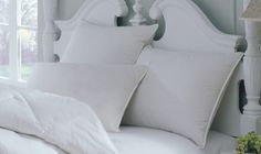 Set of 2 Hypo-Allergenic White Down Alternative Bed Pillows Standard Queen King