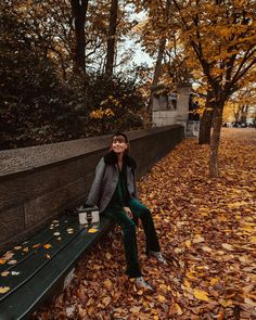 Paula Markert (@paulamarkert) • Instagram photos and videos New York Buildings, Best Places To Work, Cute Photography, West Village, Like A Local, Sky High, Old World, Manhattan, The Good Place