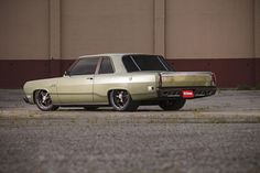 1969 Plymouth Valiant with a Gen 3 6.4 L HEMI V8