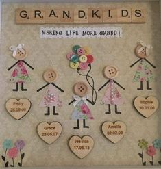 Handmade Gifts: Familie Enkelkinder Freunde Button Box Frame Small - - Gift World and Gift Box Hobbies And Crafts, Crafts To Make, Fun Crafts, Arts And Crafts, Summer Crafts, Baby Crafts, Scrabble Crafts, Scrabble Art, Craft Gifts