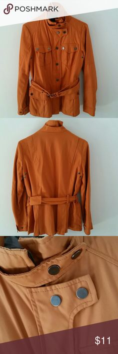 Zara Woman utility jacket Trendy and stylish utility jacket by Zara Woman. Minimum signs of wears. Keeps the wind and rain out. No stains or rips. Moving out sale.  No trades offers welcome Zara Jackets & Coats Utility Jackets