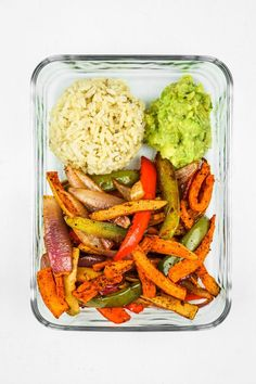 Sweet Potato Fajitas Meal Prep von The Fitchen - Süßkartoffel Fajitas Mahlzeit Prep Lunch Meal Prep, Healthy Meal Prep, Healthy Drinks, Healthy Snacks, Healthy Eating, Dinner Healthy, Paleo Dinner, Clean Eating Lunches, High Protein Vegan Meals