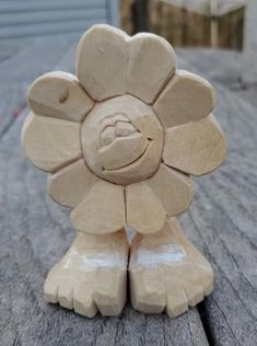 Simple Wood Carving, Dremel Wood Carving, Wood Carving Art, Wood Art, Wood Carving Designs, Wood Carving Patterns, Wood Sculpture, Sculptures, Dremel Ideas