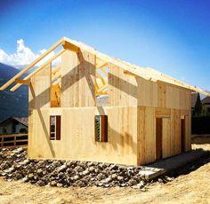 """St. Christophe è un'abitazione bifamiliare gemella con fornitura """"chiavi in mano"""" ... La struttura è in #xlam ... #vallestronaenergyhouse"""