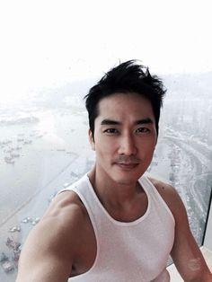 Song Seung Hun on Check it out! Song Seung Heon, Jung So Min, Sexy Asian Men, Sexy Men, Asian Guys, Asian Actors, Korean Actors, Korean Drama Movies, Korean Dramas