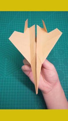 Paper Folding Crafts, Cool Paper Crafts, Paper Mache Crafts, Paper Crafts Origami, Diy Crafts For Gifts, Origami Paper Plane, Instruções Origami, Origami Rocket, Origami Sword