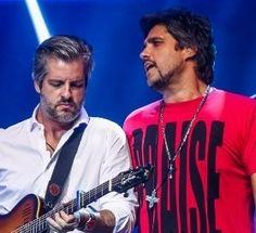 Cantor Victor, da dupla Victor e Léo, anuncia que será pai pela 1ª vez #Apresentadora, #Chaves, #Gente, #Gravidez, #Namoro, #Programa, #Record, #Xuxa http://popzone.tv/2015/10/cantor-victor-da-dupla-victor-e-leo-anuncia-que-sera-pai-pela-1a-vez/