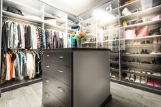 Walk In Closet Design, Closet Designs, Closet Layout, Custom Closets, Dream Closets, Ideas Para, House Plans, Custom Design, Organization