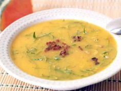Sopa de Abóbora com Couve Veggie Recipes Healthy, Vegan Recipes, Cooking Recipes, Sopas Light, Sopas Low Carb, Detox Soup, Portuguese Recipes, Portuguese Food, Love Food
