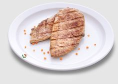 Пилешко филе: Крехко пилешко филе с приятен златист цвят. Комбинирайте по ваше желание!
