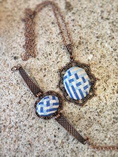 Basket weave cross stitch necklace/ pendant by TheWerkShoppe Arrow Necklace, Pendant Necklace, Clay Earrings, Basket Weaving, Cross Stitch Patterns, Beaded Bracelets, Pendants, Brooch, Embroidery