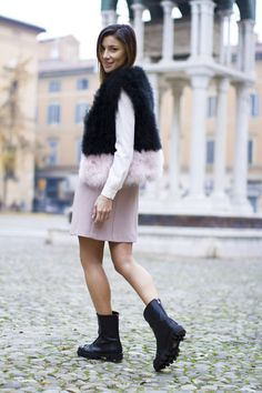 The Gummy Sweet ::: Fashion Blogger   Sparkling and furry rock… #kissmylook