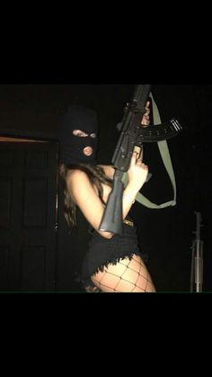 grab her ass in public, grab her throat in private Gun Aesthetic, Badass Aesthetic, Bad Girl Aesthetic, Aesthetic Grunge, Thug Girl, Gangster Girl, Mask Girl, Night Vibes, Grunge Girl