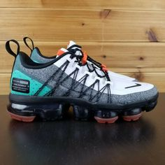Buy and sell authentic Nike Air VaporMax Run Utility Urban Bounce shoes and thousands of other Nike sneakers with price data and release dates. Kd Shoes, Hype Shoes, Me Too Shoes, Nike Shoes Air Force, Nike Air Vapormax, Zoom Iphone, Iphone 5c, Best Nike Running Shoes, Sneakers Fashion
