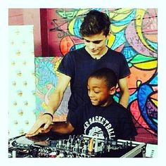 #FelizMartes Hay que dar el ejemplo y ayudar a nuestra generación de relevo!! Dale like y siguenos @PortalDeDJsOficial #SoloParaRumberos  @martingarrix # #edmtags #edm #edmmusic #edmvibes #edmlife #edmfestival #edmnation #edmphotographer #edmgirls #edmedicted #edmpics #edmdrops #ravers #hardstyle #electrohouse #electronicmusic #house #techhouse #progressive #spinninrecords - #regrann