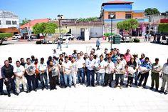 Estamos trabajando por la seguridad de los huixtlecos: Régulo Palomeque Sánchez http://noticiasdechiapas.com.mx/nota.php?id=86150 …