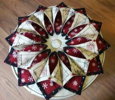 Fold n' Stitch Wreath Holiday Table Topper