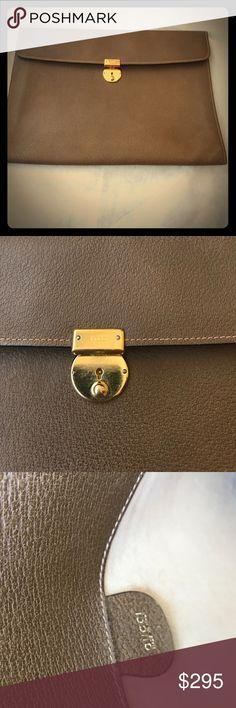 Vintage Gucci portfolio bag Vintage Gucci leather slim portfolio, laptop bag Gucci Bags Laptop Bags