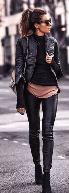woman standing wearing black full-zip jacket. Pic by @streetstyles_world
