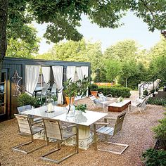 Courtyard   Creates an additional space for dining and relaxing.