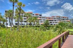 1485 Gulf of Mexico Drive A-202 | Longboat Key Vacation Rental Property | Jennette Properties