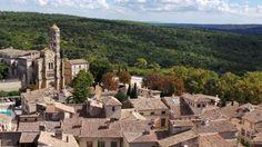 A (re)découvrir, la ville d'Uzès dans le Gard ! Connaissez-vous cette belle ville d'art et d'histoire ? Plus d'infos sur:http://www.sortie-famille-gard.com/uzes-ville-dart-dhistoire-gard/