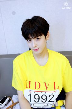 Image shared by Hun Hun. Find images and videos about kpop, astro and chaeunwoo on We Heart It - the app to get lost in what you love. Cha Eunwoo Astro, Lee Dong Min, Astro Fandom Name, Monsta X Wonho, Cha Eun Woo, Fans Cafe, Korean Bands, Kpop, Korean Celebrities