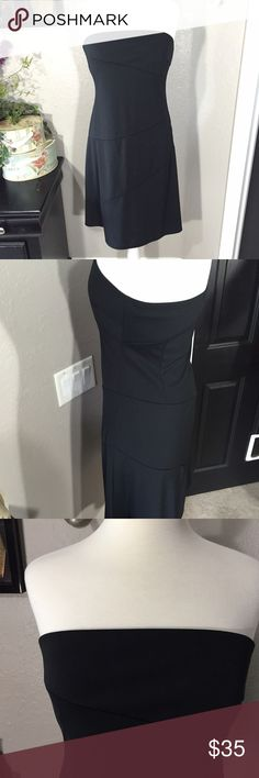 """Express Black Strapless Dress Size 12 Excellent pre-loved condition. 🍥 100% polyester 🍥 Bust - 32"""" 🍥 Length - 32.5"""" Item <a class=""""pintag searchlink"""" data-query=""""%23SB572"""" data-type=""""hashtag"""" href=""""/search/?q=%23SB572&rs=hashtag"""" rel=""""nofollow"""" title=""""#SB572 search Pinterest"""">#SB572</a> Express Dresses Strapless"""