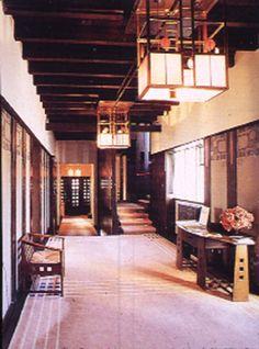 Charles Rennie Mackintosh; Helensburgh, Hill House, 1902-04, int; entry hall2.JPG (78345 bytes)