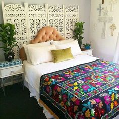 Modern Bohemian Bedrooms & Home Interior Decor Ideas: With the passage of time the demand and trend of the bohemian home decoration has been becoming the main talk of the town. Bohemian Style Bedrooms, Bohemian Decor, Bohemian Quilt, Boho Style, Bohemian Furniture, Bohemian Room, Bohemian House, Bohemian Interior, Bohemian Design