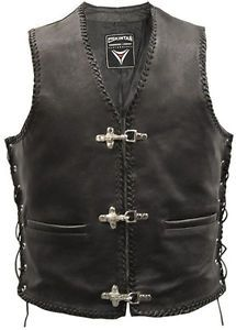 completo de moto de cuero chaleco chaleco motero hebilla - Categoria: Avisos Clasificados Gratis  Estado del Producto: Nuevo con etiquetasREAL LEATHER HAND PLAITED WAISTCOAT BLACK Genuine Hide Premier Quality Top Grain Leather Full Leather Front & Back This full leather waistcoat with chunky clasp fastening features lace sides and superbly hand plaited leather edging It is suitable for both men and women Leather Hand Plaited EdgingLeather Side LacesChunky Buckle Fastening2 Outside Pockets…