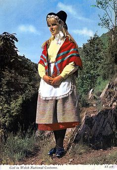 Girl in Welsh costume We Are The World, People Around The World, Welsh Lady, Saint David's Day, Celtic Nations, Folk, Sir Anthony Hopkins, Art Populaire, Cymru