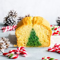 This surprise inside Christmas tree cake is actually super easy to make! A Christmas dessert recipe everyone should have up their sleeves. #QuickBread #Holiday #Christmas #Recipe #Desserts #Easy Gluten Free Chocolate Cake, Homemade Hot Chocolate, Hot Chocolate Mix, Vegan Chocolate, Flourless Chocolate, White Chocolate, Christmas Tree Cake, Christmas Cupcakes, Christmas Goodies