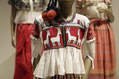 """Exposición """"El arte de la indumentaria y la moda en México"""" - Palacio de Iturbide, mayo 2016"""