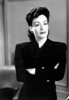 Joan Crawford was one scary lookin lady. No wire hangers! Hollywood Icons, Old Hollywood Glamour, Hollywood Fashion, Hollywood Actor, Golden Age Of Hollywood, Vintage Hollywood, Hollywood Actresses, Classic Hollywood, 1940s Fashion