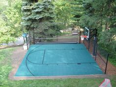 Nice Sport Court Backyard Design Ideas - Page 20 of 27 Backyard Basketball, Basketball Court Flooring, Outdoor Basketball Court, Backyard Games, Backyard Projects, Backyard Landscaping, Backyard Ideas, Modern Backyard, House Projects