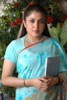 Ramya Krishnan Photos - Ramya Krishnan in Saree South Indian Actress, Beautiful Indian Actress, Beautiful Actresses, Hot Actresses, Indian Actresses, Ramya Krishnan Hot, Bridesmaid Saree, Tamil Actress Photos, Down South