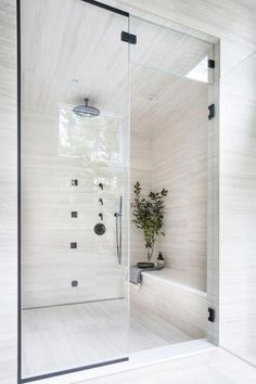 Bathroom tips, master bathroom renovation, master bathroom decor and bathroom organization! Bathrooms may be beautiful too! From claw-foot tubs to shiny fixtures, these are the bathroom that inspire me the most. Latest Bathroom Designs, Douche Design, Bathroom Renovations, Bathroom Ideas, Bathroom Organization, Remodel Bathroom, Bathroom Storage, Bathroom Showers, Bathroom Inspiration