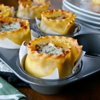 These muffin tin recipes are next level delicious. Next time you're cooking breakfast, lunch or dinner - reach for the muffin tin instead of the frying pan! Great Recipes, Snack Recipes, Cooking Recipes, Favorite Recipes, Cooking Eggs, Delicious Recipes, Lasagna Cups, Lasagna Rolls, Mini Lasagna