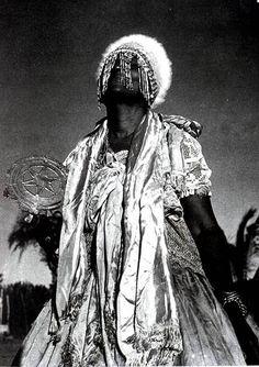 """Iemanjá - Pierre Verger """"Pierre Edouard Léopold Verger (1902-1996) foi um fotógrafo, etnólogo, antropólogo e pesquisador francês que viveu grande parte da sua vida na cidade de Salvador, capital do estado da Bahia..."""""""